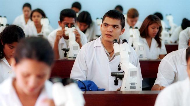 Lékaři z Kuby se stali vývozním artiklem