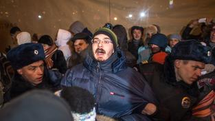 Na Manéžním náměstí protestují tisíce stoupenců Alexeje Navalného