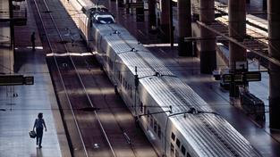 Madridské nádraží Atocha muselo být evakuováno kvůli výhrůžce odpálením bombou