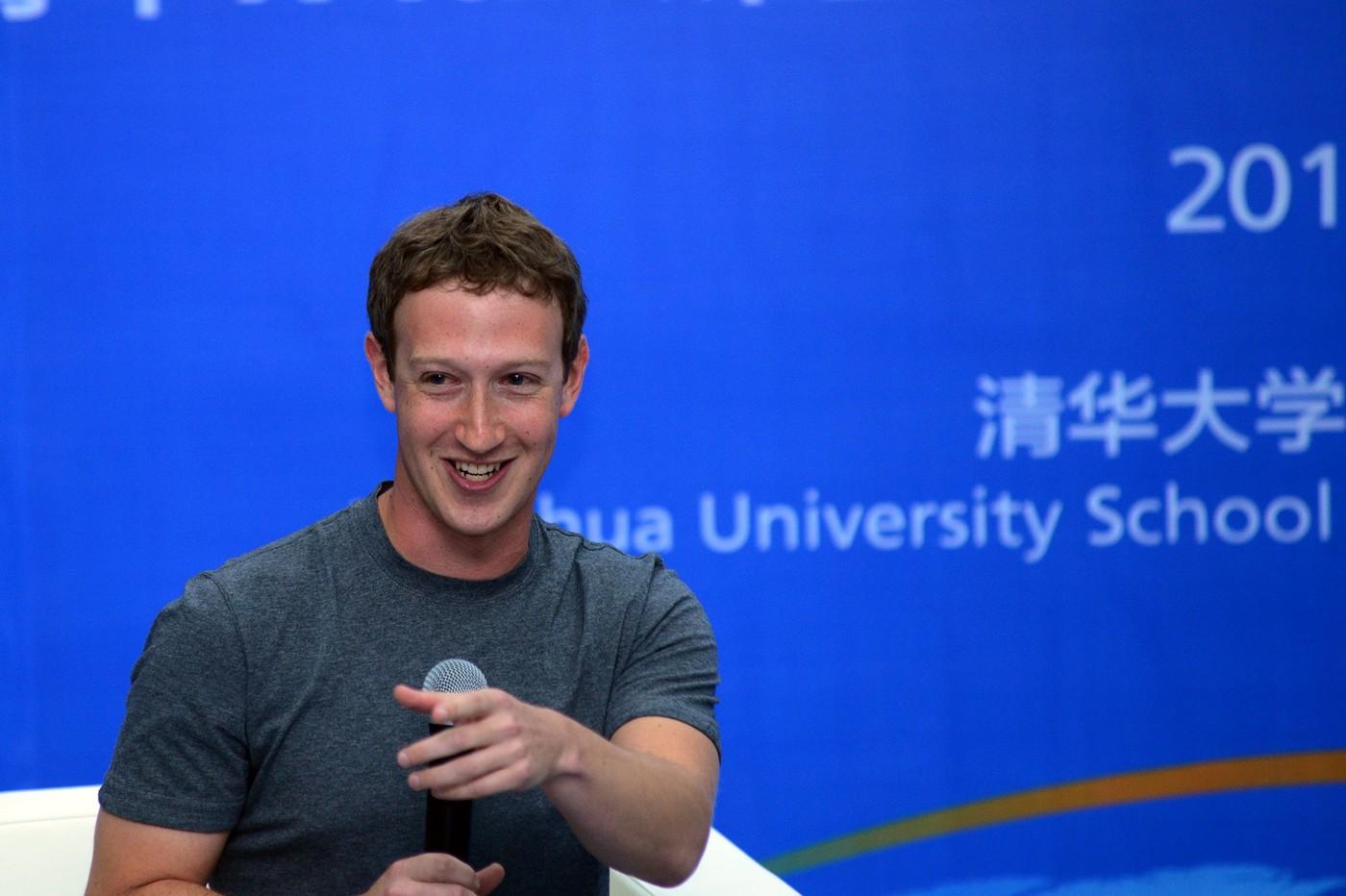 Poraďte mi předsevzetí, požádal uživatele zakladatel Facebooku