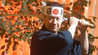 Názory Tomia Okamury často vzbuzují pochybnosti, zda sám není tak trochu nepřizpůsobivý