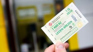 Do pražské MHD by se mohly vrátit papírové předplatní kupony