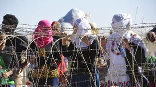 Tábory s uprchlíky jsou přeplněné. Lidé žádají pomoc