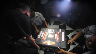 Potápěči vyzvedli obě černé skříňky zříceného letadla