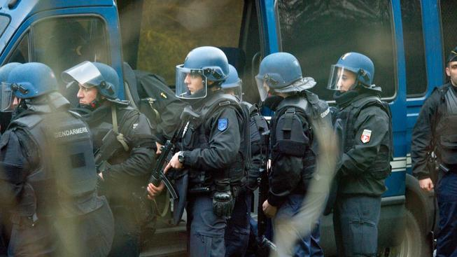 Bratři Couachiovi zemřeli při pátečním policejním zásahu v budově tiskárny u pařížského letiště