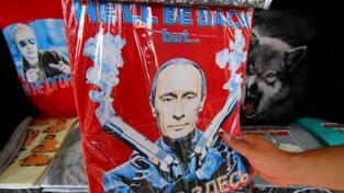 Suvenýry s Putinem, trička s Putinem, Putinova vodka a další perly jsou běžnou součástí ruské reality