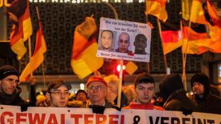 V Německu se pochoduje pro i proti muslimům