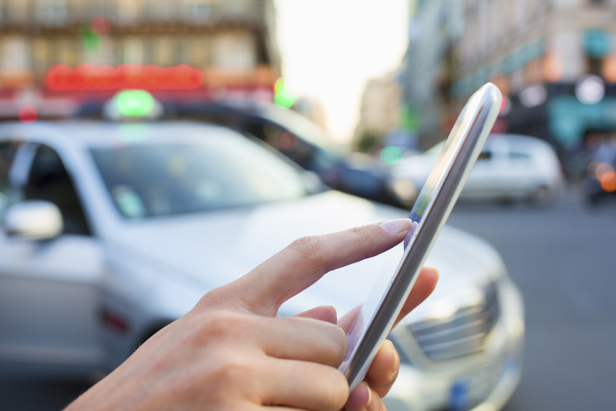 Uber slibuje v Evropě 50 000 nových míst