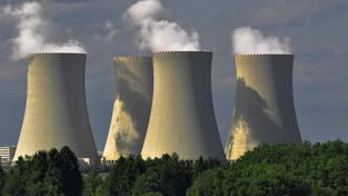 Národní akční plán rozvoje jaderné energetiky v ČR plánuje, že by dostavbu Temelína a Dukovan zaplatil ČEZ