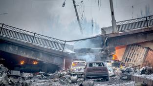 Pulitovského most, který spojuje Donětské letiště s městem byl včera zničen