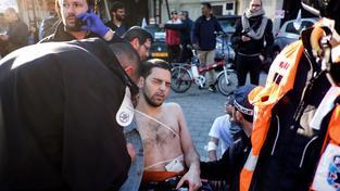 Palestinec v centru Tel Avivu pobodal devět lidí