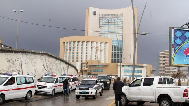 Během útoku na luxusní hotel zemřelo pět členů ochranky a čtyři cizinci