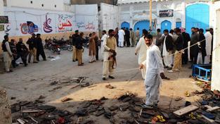 Mešitou v pákistánském Šikarpuru otřásl výbuch
