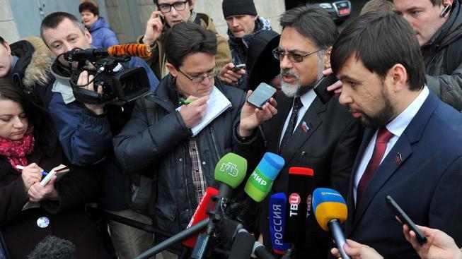 Zástupci samozvaných republik obvinili Kyjev, že se odmítá dohodnout na vedení frontové linie