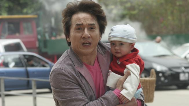 Jackie Chan na záběru ze snímku Akce nemluvně