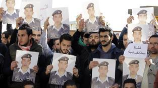 Islamisté zabili jordánského Maáze Kasásbu, upálili ho zaživa