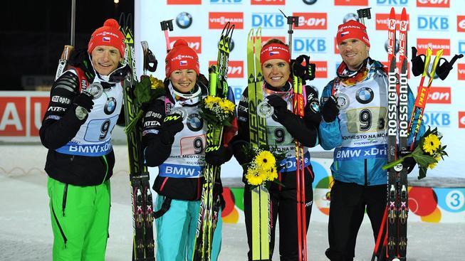 Stříbrná štafeta (zleva) Moravec, Vítková, Soukalová a Šlesingr