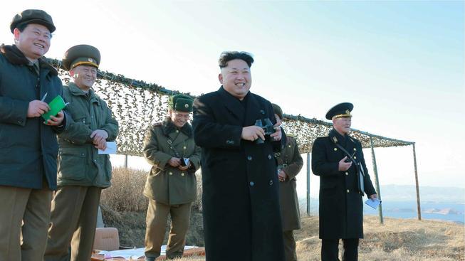 Severokorejský vůdce Kim Čong-un se kochá testem nové protilodní rakety
