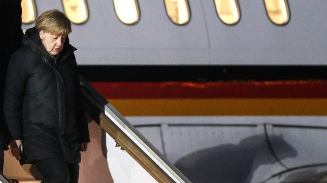 Angela Merkelová a Françoise Hollande se rozhodli vzít mírová jednání do svých rukou - narychlo v pátek v noci odletěli jednat s Vladimirem Putinem