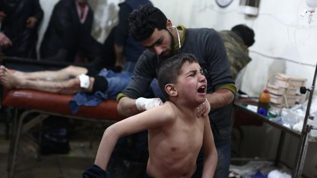 Boje v Sýrii stály život už minimálně 210 tisíc lidí, další statisíce byly zraněny