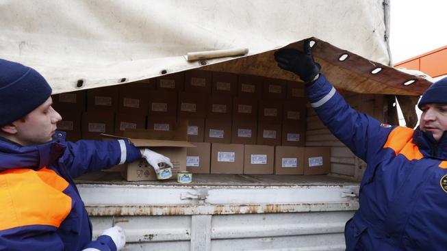 Jsou krabice s jídlem ve všech kamionech? Ukrajina se bojí, že ne
