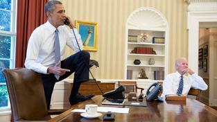 Barack Obama před rozhodujícím minským summitem telefonoval s Porošenkem i Putinem