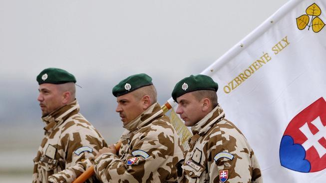 Slováci mají profesionální armádu. Bojovat se jim jinak moc nechce