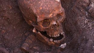Na lebce Richarda III. našli britští vědci několik zranění, která se mu stala osudnými