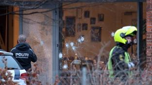 Na dánské debatě o svobodě slova s karikaturistou Mohameda se střílelo