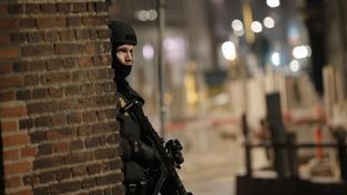 Po útoku na kavárnu byly ulice Kodaně plné těžkooděnců. Ani to ale nezabránilo střelci zaútočit podruhé - u synagogy zastřelil mladého Žida a zranil tři policisty