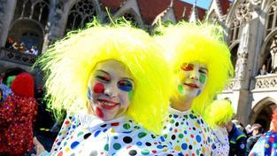 Karnevalu v Braunschweigu se mělo účastnit až čtvrt milionu diváků