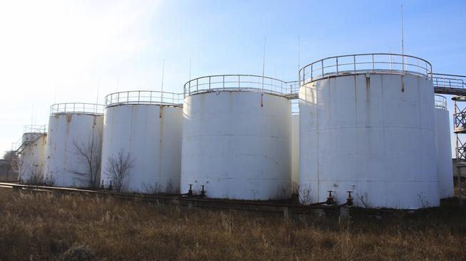 Česko mělo část státních rezerv nafty uloženu u německé firmy Viktoriagruppe, která je nyní v insolvenci (ilustrační snímek)