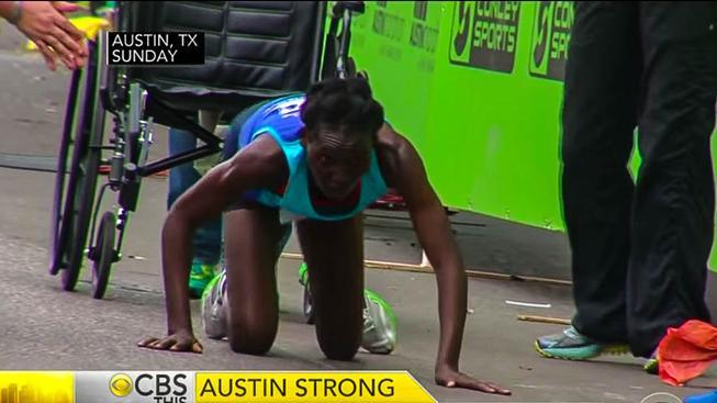 Keňská běžkyně předvedla v Austinu neskutečnou sílu vůle