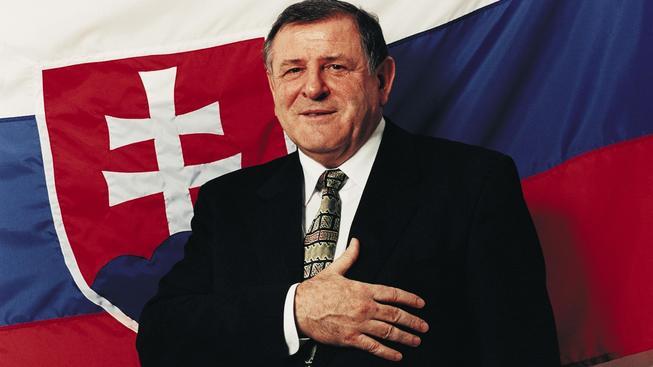 Vladimír Mečiar jako premiér přísahal na Slovensko. Byl předtím konfident StB?