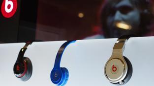 Dr. Dre na sluchátkách nesoucích jeho jméno vydělal miliardy