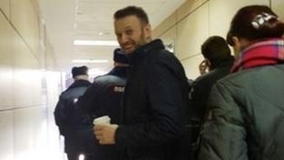 K soudu odvedla Navalného policejní eskorta