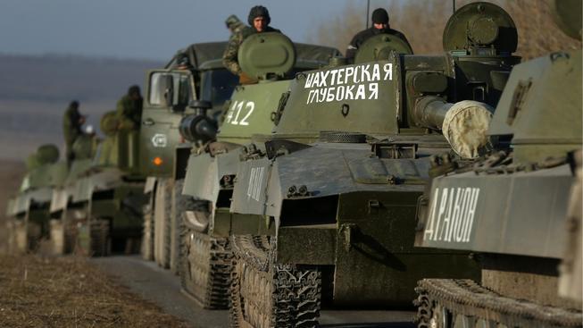 Povstalci v Doněcku už údajně stahování těžkých zbraní zahájili