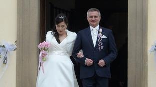 Kancléř Mynář si vzal moderátorku Noskovou, se kterou v létě čeká syna