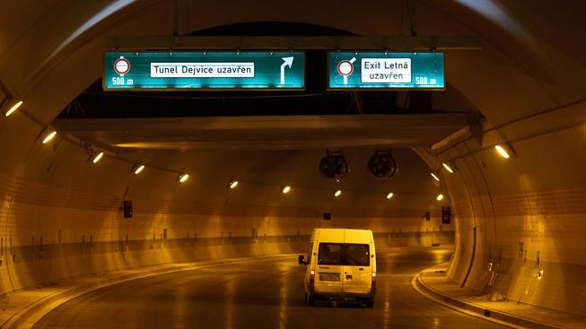 Tunelem Blanka řidiči neprojedou ani letos. Na slova o odkladech si už ostatně zvykli