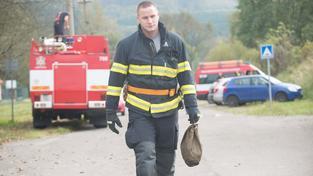 Munici z Vrbětic vyvážejí hasičské nákladní vozy