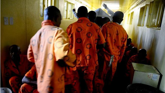 Ostatní vězni v jihoafrickém vězení si mohou o podmínkách, jako mají Krejčíř a Pistorius, nechat jen zdát