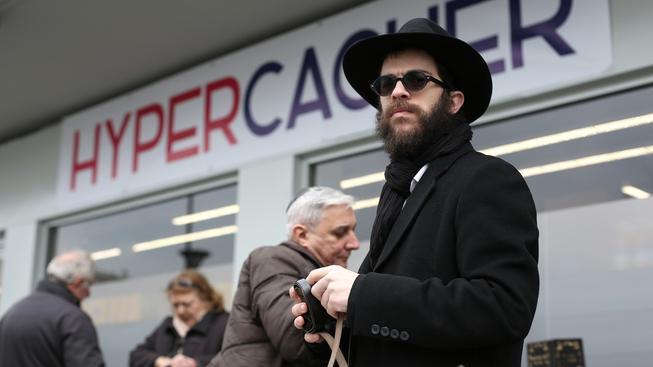 Pařížský košer obchod se po útoku opět otevřel