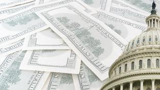 Američané budou muset znovu zvýšit dluhový strop. Ilustrační snímek