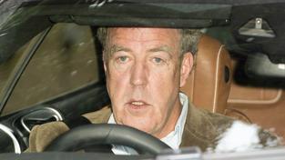Jeremy Clarkson ve svém mercedesu