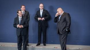 Sobotka s kolegy se připravuje na focení na energetickém summitu EU