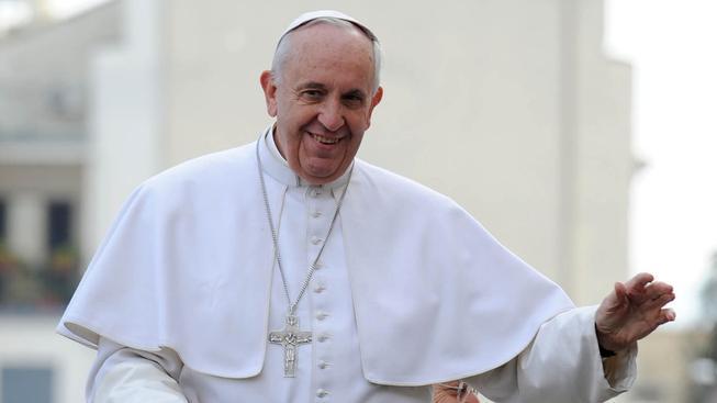 Papež se neapolské mafie nebojí