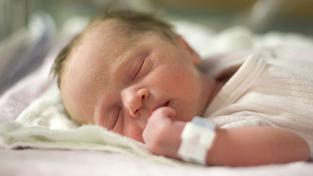 Loni se v Česku narodilo 109,9 tisíce, úmrtnost kojenců do jednoho roku byla na historickém minimu (ilustrační snímek)