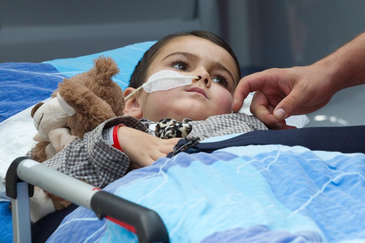 Ashya, který byl na ozařování v Praze, je podle rodičů vyléčený