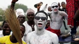 Nigerijci oslavují Buhariho vítězství