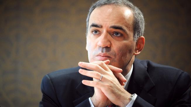 Slavný ruský šachový velmistr patří k hlasitým kritikům Kremlu